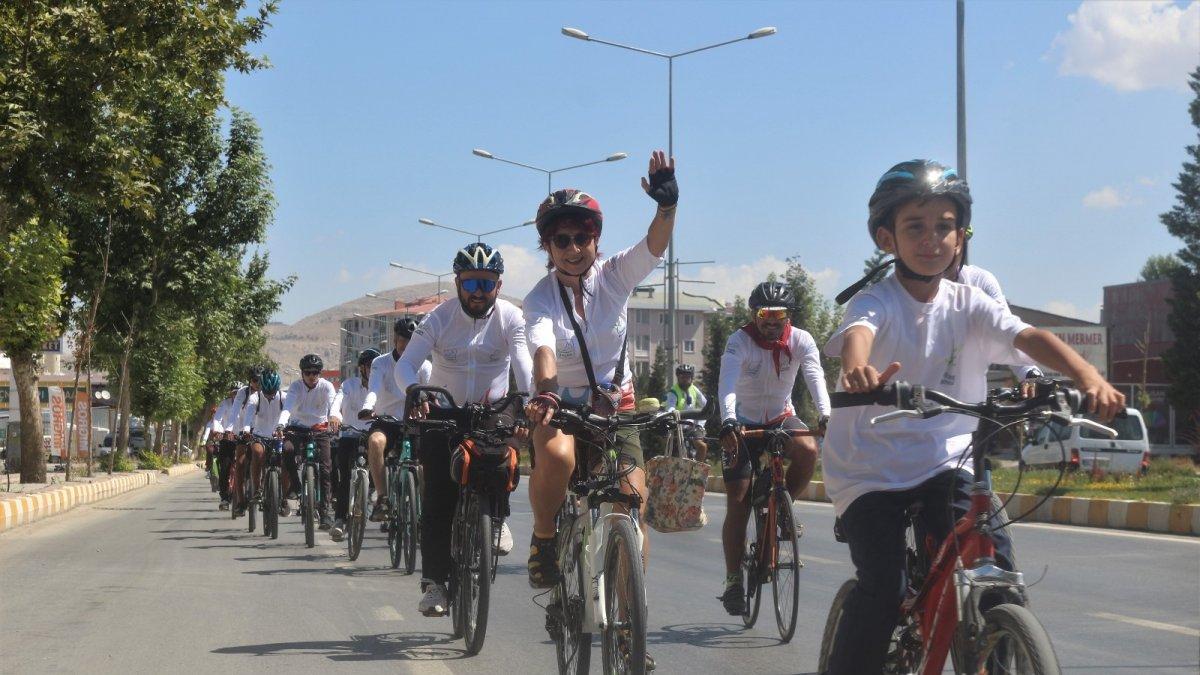 3. Van Gölü Bisiklet Festivali başladı