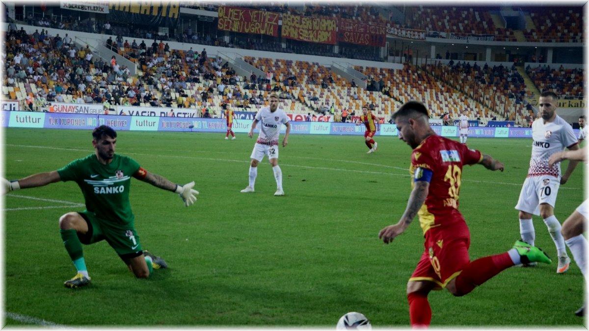 Adem Büyük, Yeni Malatyaspor formasıyla 100. maçına çıktı