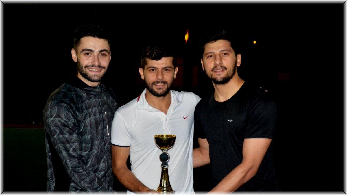 Ağrı'da düzenlenen Ayak Tenisi Turnuvası'nda şampiyon belli oldu