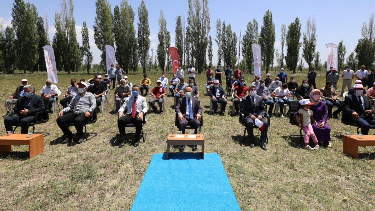 Ağrı'da törenle çiftçilere kaz yetiştiriciliği makine ve ekipmanları dağıtıldı - Ağrı Haberleri