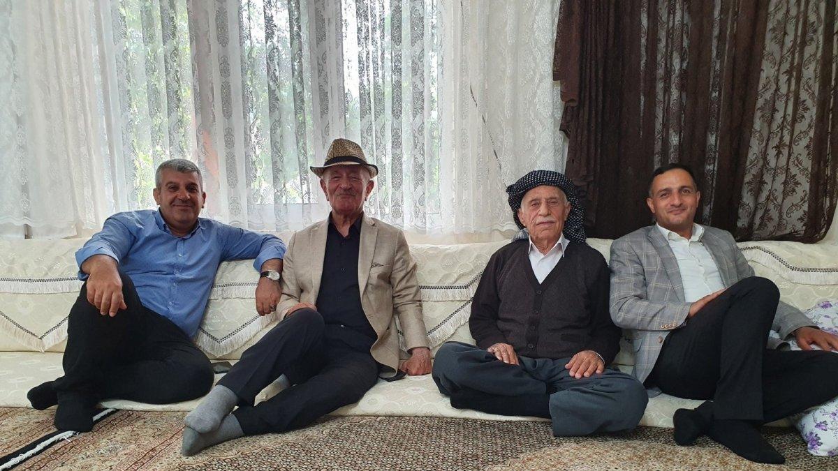 AK Partili Koordinatör Tarhan köyleri ziyaret etti