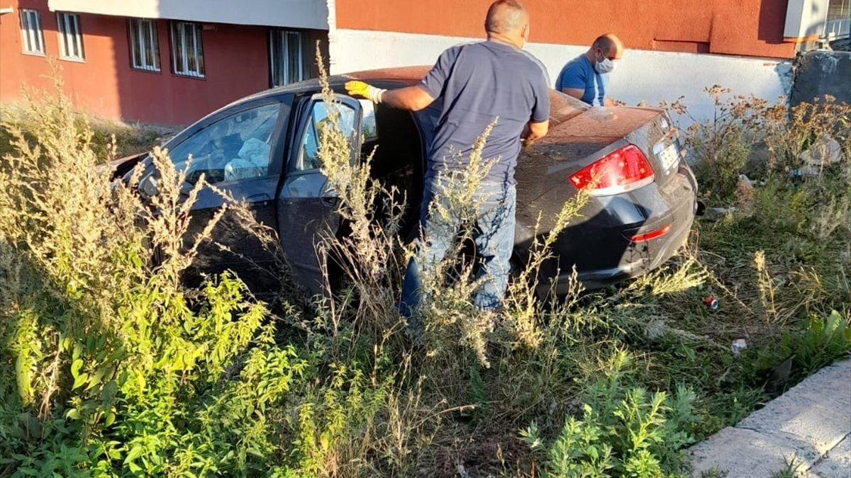 Ardahan'da iki otomobil çarpıştı: 4 yaralı
