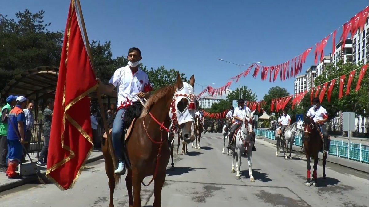 Atatürk'ün Erzurum'a gelişinin 102'inci yıldönümü coşkuyla kutlandı
