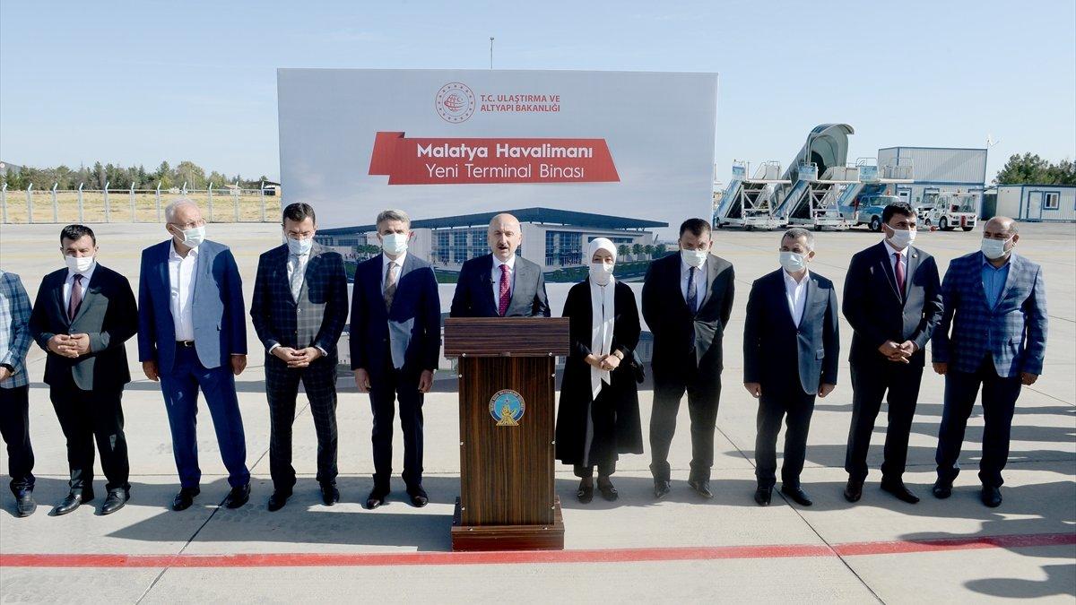 Bakan Karaismailoğlu, hava yolu taşımacılığındaki gelişmeleri anlattı: