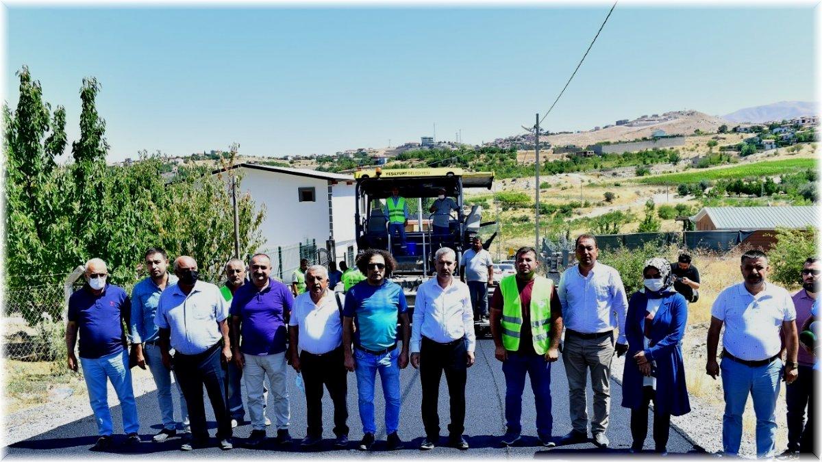 Başkan Çınar, asfalt serimi ve imar yolu açma çalışmalarını inceledi