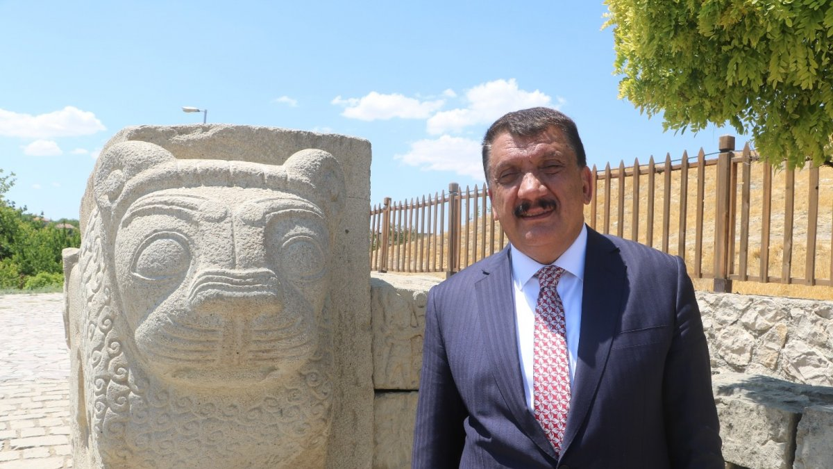 Başkan Gürkan'dan turistlere çağrı
