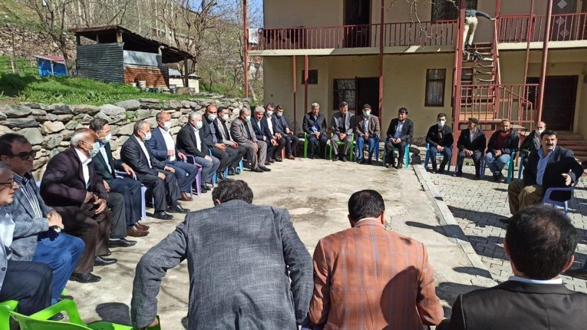 Başkan Özbek sınır köylerini ziyaret etti