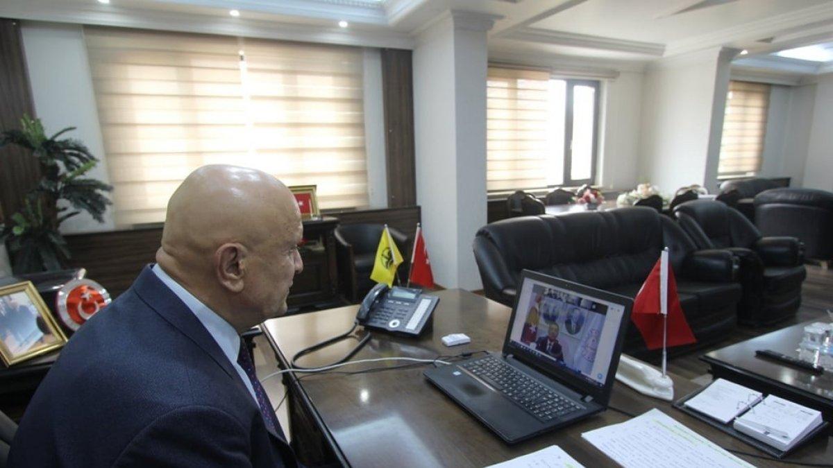Başkan Pekmezci, Bakan Selçuk'un online toplantısına katıldı
