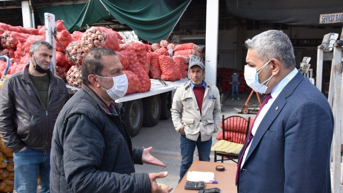 Başkan Sadıkoğlu sebze meyve komisyoncularının sorunlarını dinledi