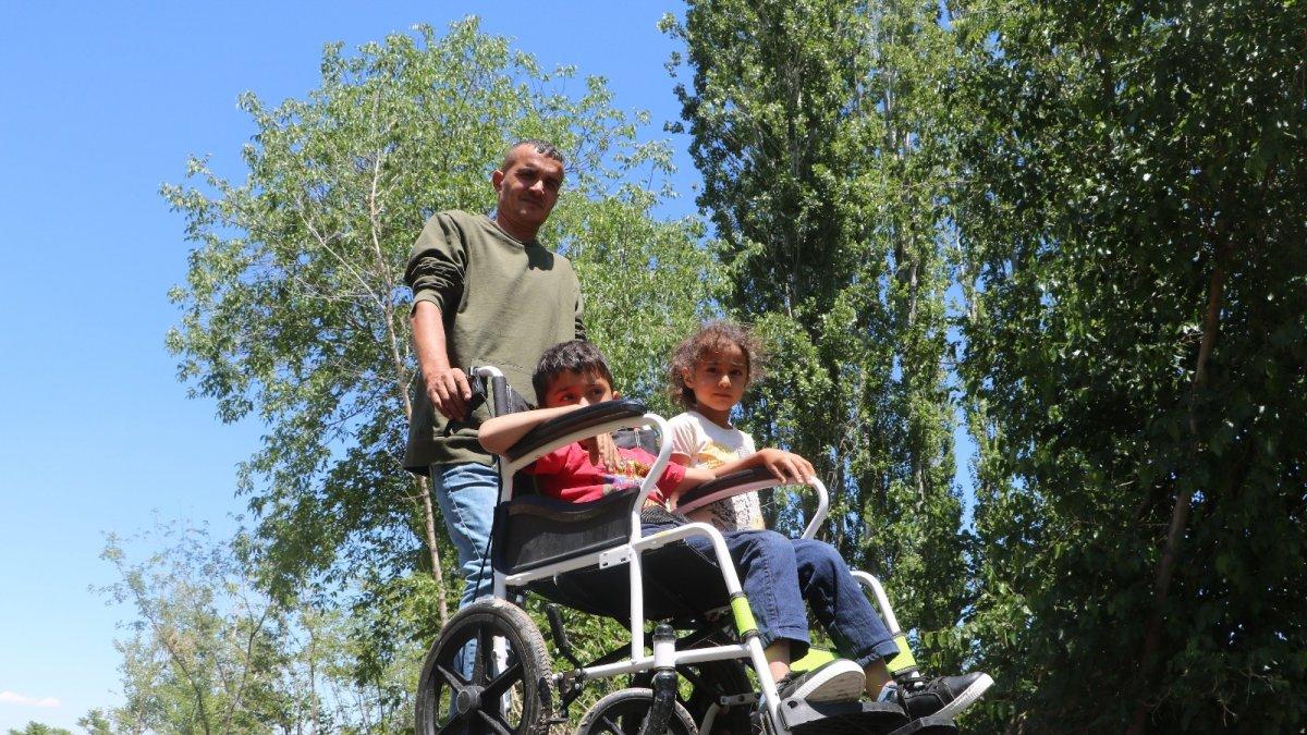 Batuhan'ın baba sırtındaki çileli okul yolculuğu son buldu