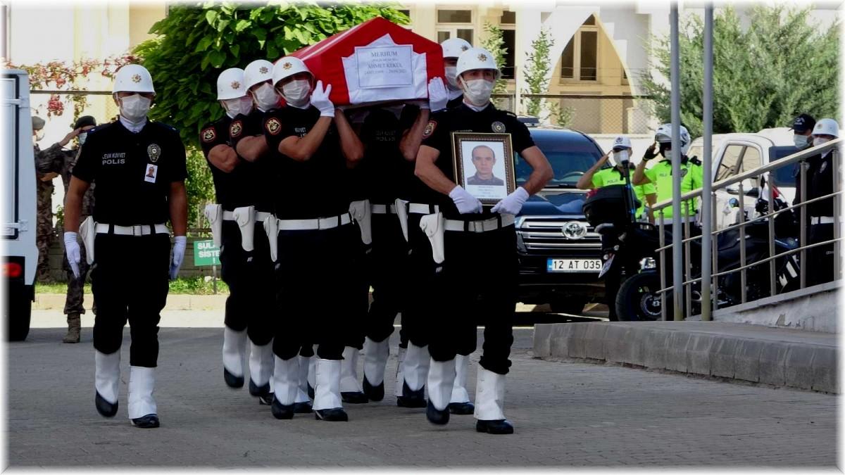 Bingöl'de kaza sonucu hayatını kaybeden polis, memleketine uğurlandı