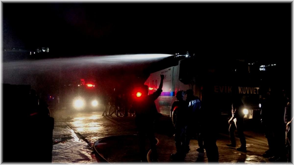 Bingöl'deki depo yangınına TOMA müdahale etti