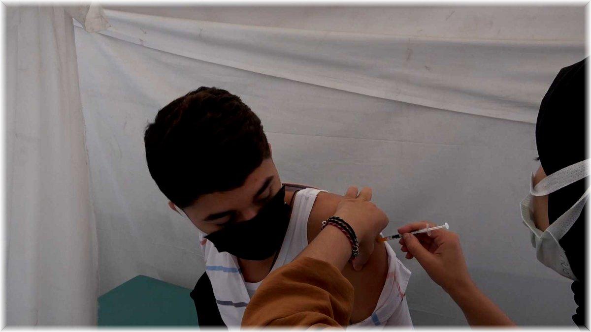 Bitlis'te 2. doz aşı çalışması başladı