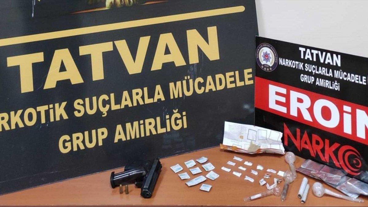 Bitlis'te uyuşturucu operasyonunda 2 şüpheli gözaltına alındı