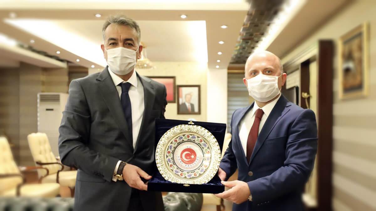 Bitlis Valisi Oktay Çağatay'dan Ağrı Valisi Osman Varol'a ziyaret