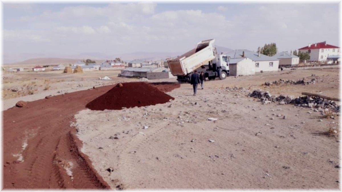Çaldıran Belediyesinden yol açma ve yenileme çalışması