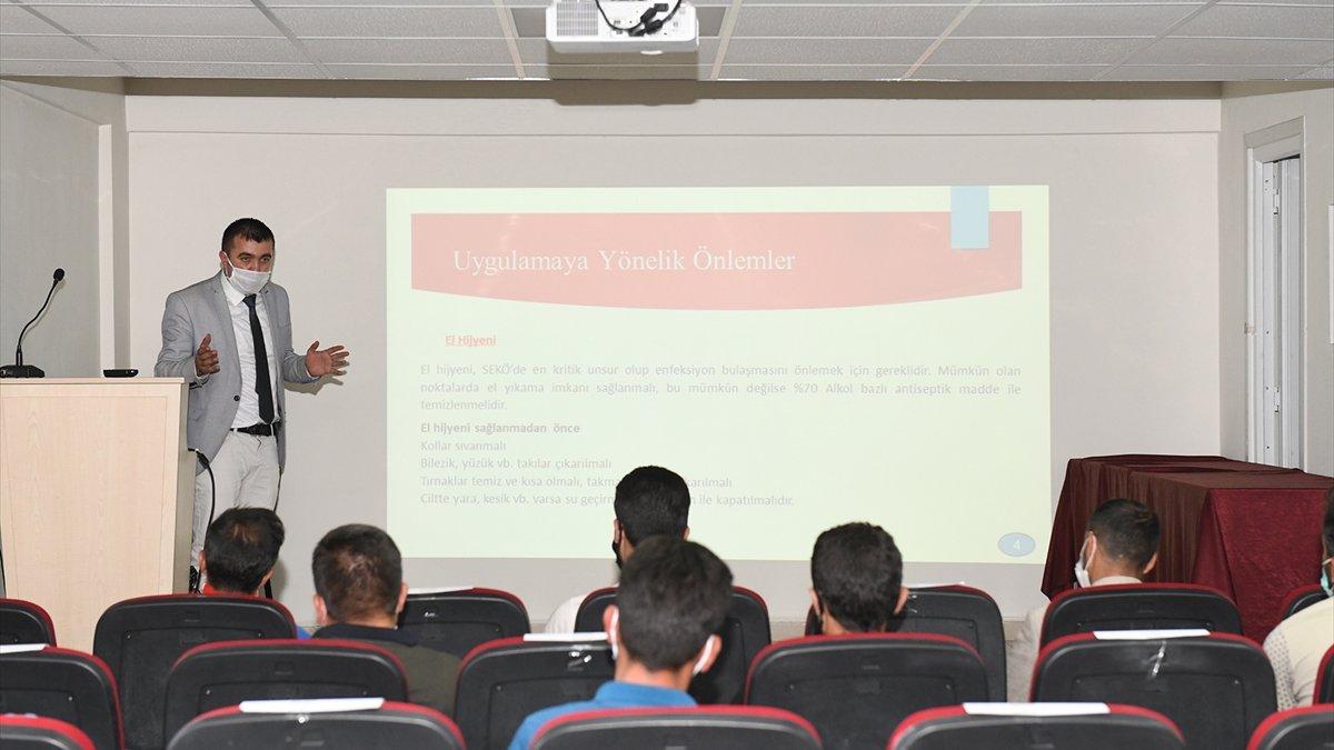 Çatak'ta öğrenci servis şoförlerine eğitim verildi
