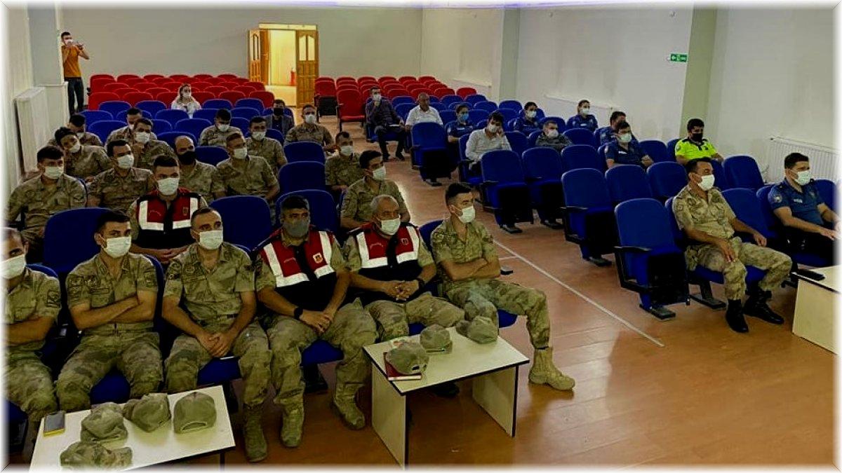 Çayırlı'da 'Kadına Yönelik Şiddetle Mücadele' konulu eğitim gerçekleştirildi