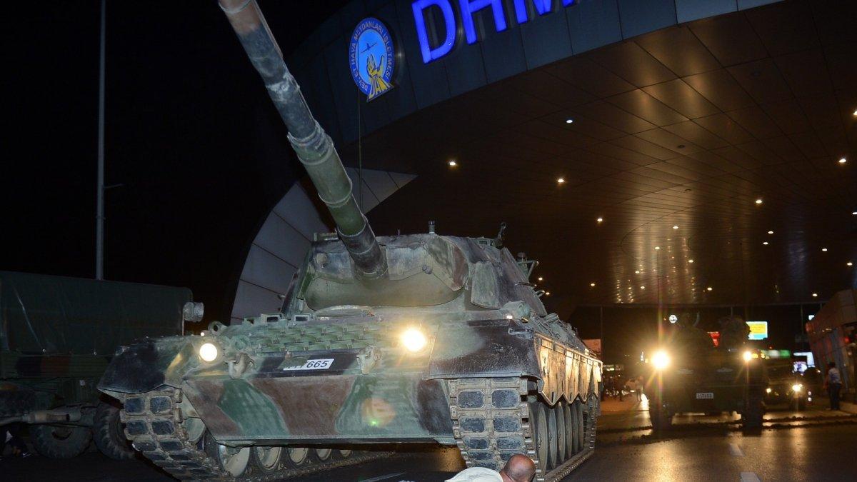 Darbe girişimde tankın önüne yattığı fotoğrafla tanınan Metin Doğan, o geceyi anlattı