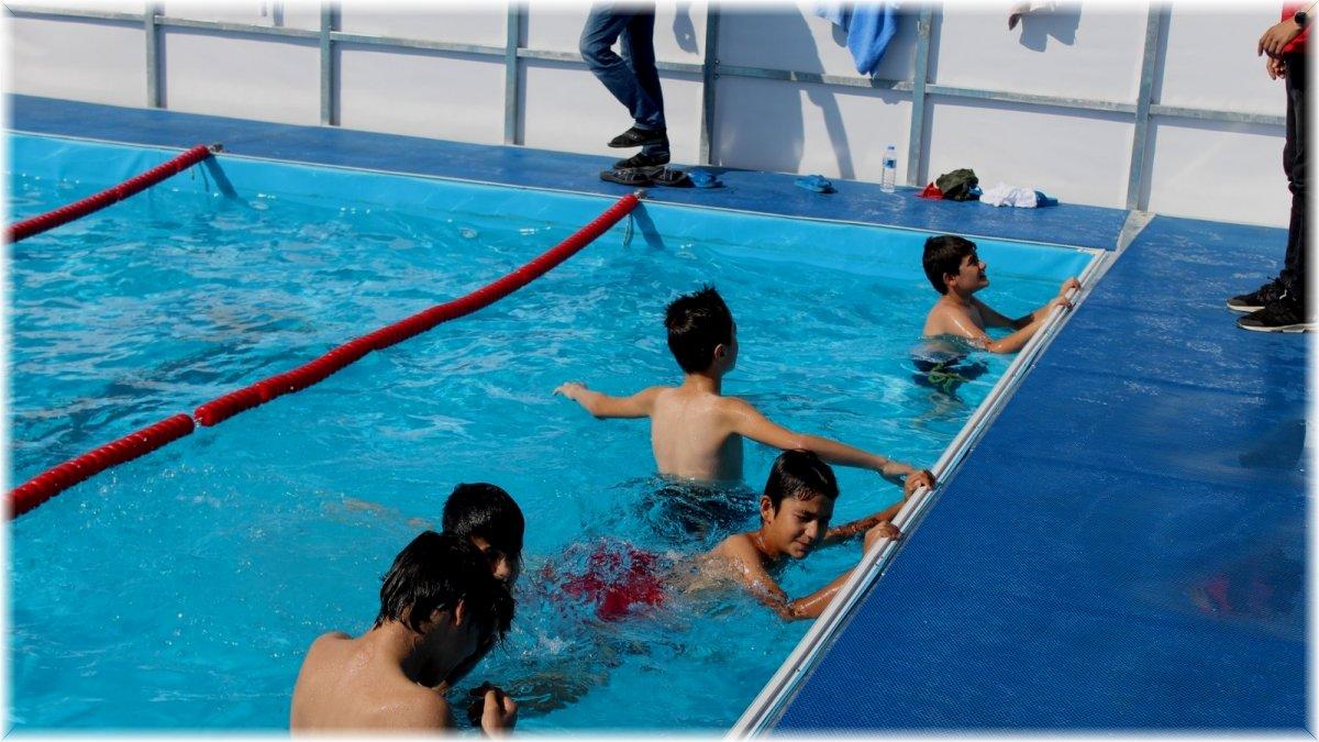 Doğanşehir'e portatif havuz