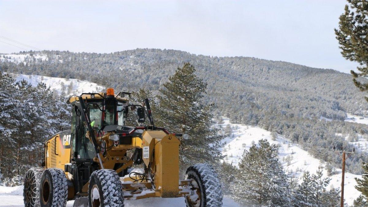 Doğu Anadolu'nun yüksek kesimlerinde kar etkisini sürdürüyor