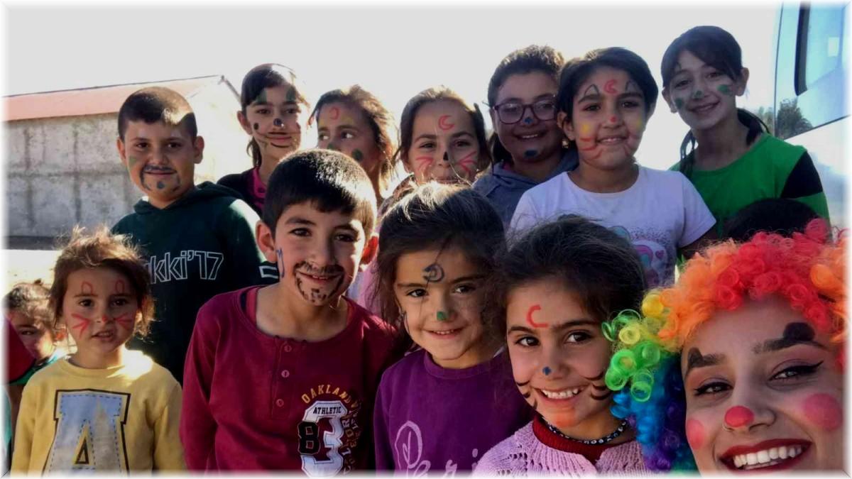Dünya Kız Çocukları Günü Ağrı'da neşeyle kutlandı