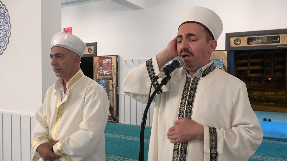 Elazığ'da bin 11 camide eş zamanlı olarak sela sesi yükseldi