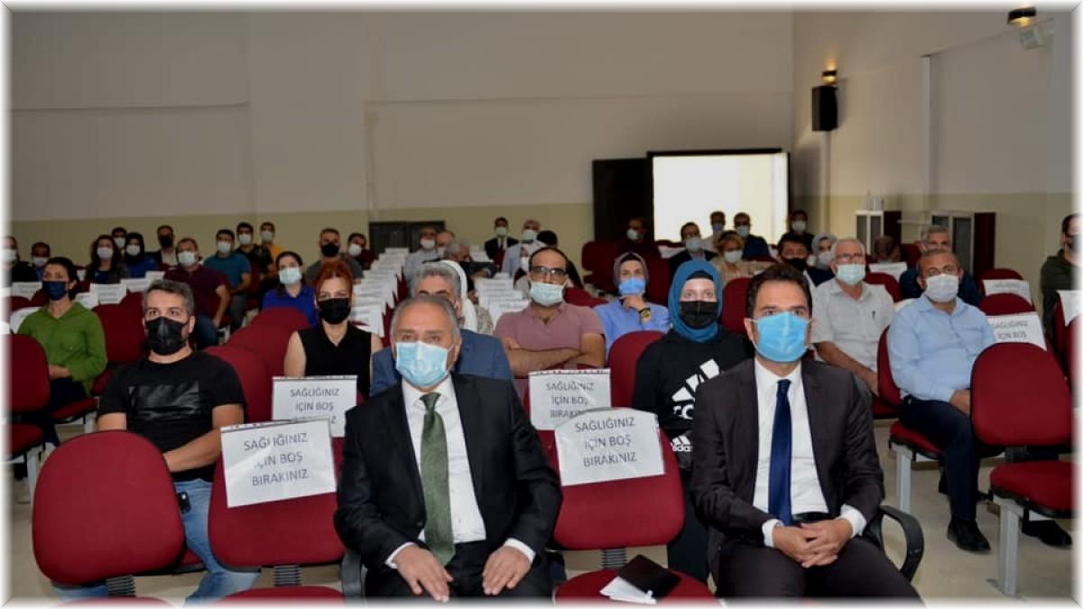 Elazığ'da okul müdürlerine proje eğitimleri veriliyor
