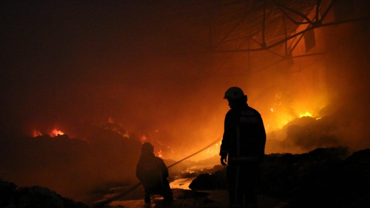 Elazığ OSB'deki tesis yangını 8 saatin sonunda söndürüldü, soğutma çalışmalarına başlandı