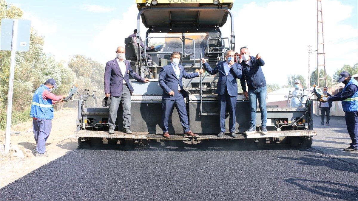 Erciş'te asfalt çalışmaları devam ediyor