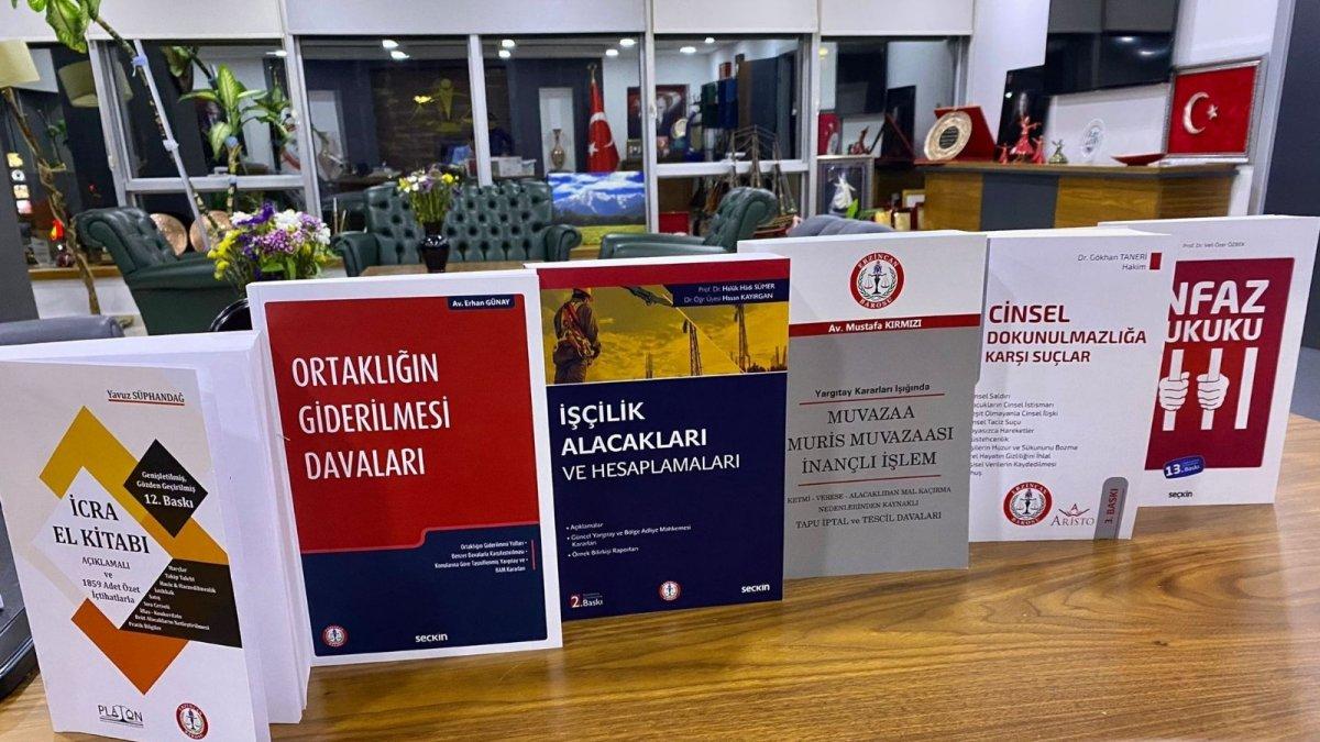 Erzincan Barosunca avukatlara dağıtılmak üzere 6 adet kitabın daha basımı gerçekleştirildi