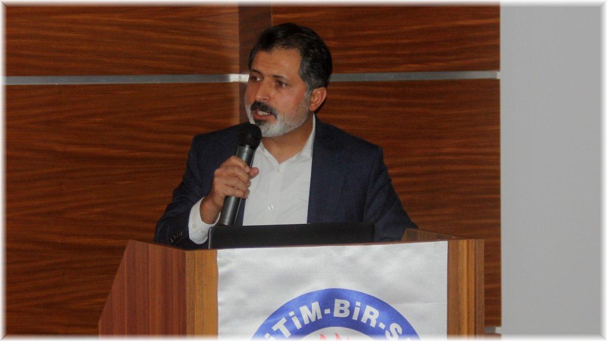 Erzincan'da eğitimciler İl Divan Kurulu Toplantısı'nda bir araya geldi