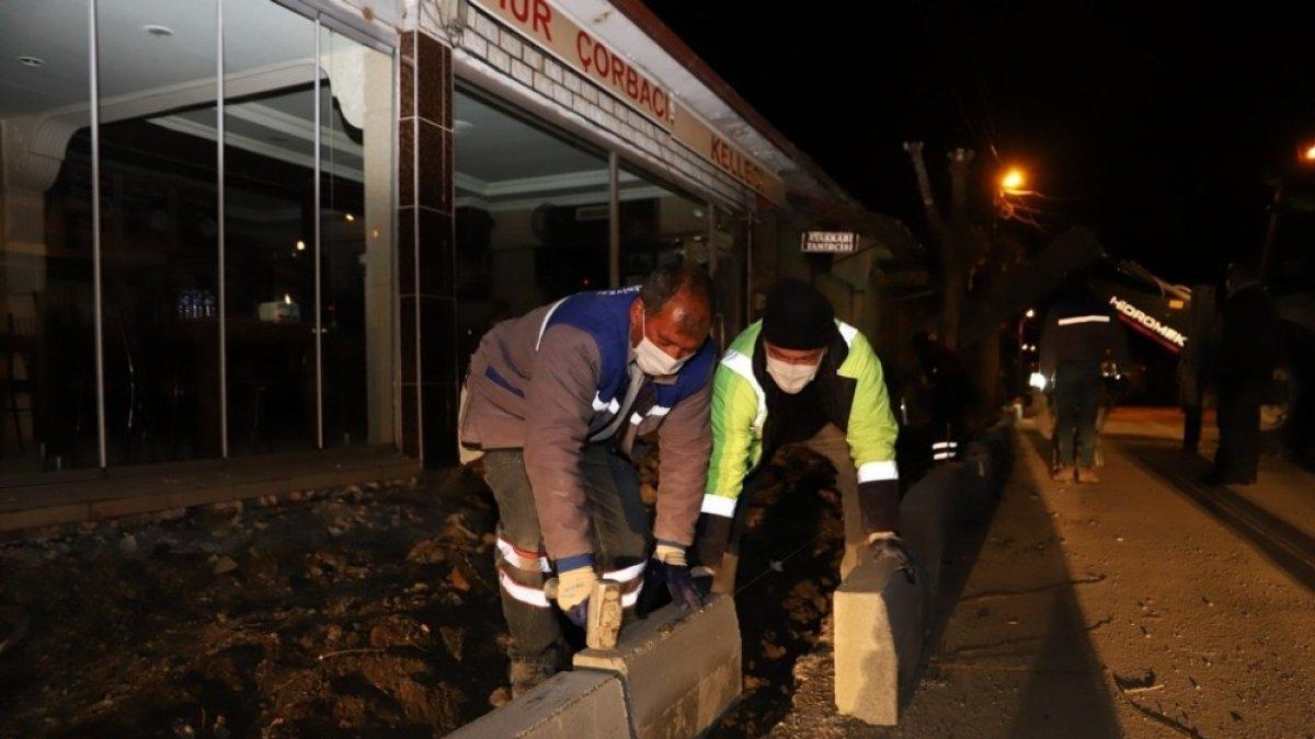 Erzincan'da kaldırımların bakım onarım çalışmaları devam ediyor