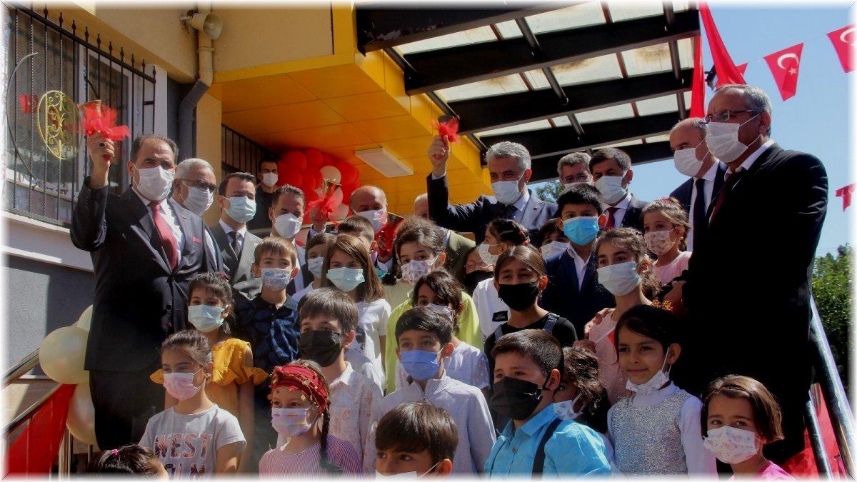Erzincan'da öğrenciler yüz yüze eğitime başladı