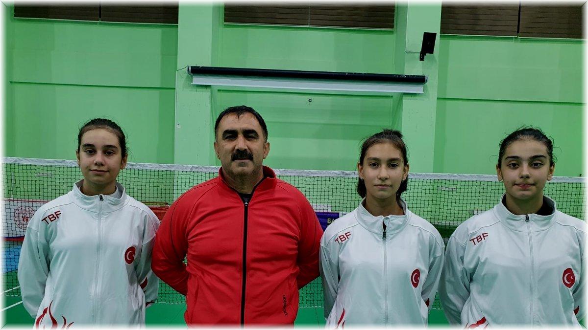 Erzincanlı milli sporcular Hırvatistan'da U 15 Uluslararası Badminton turnuvasına katılacak