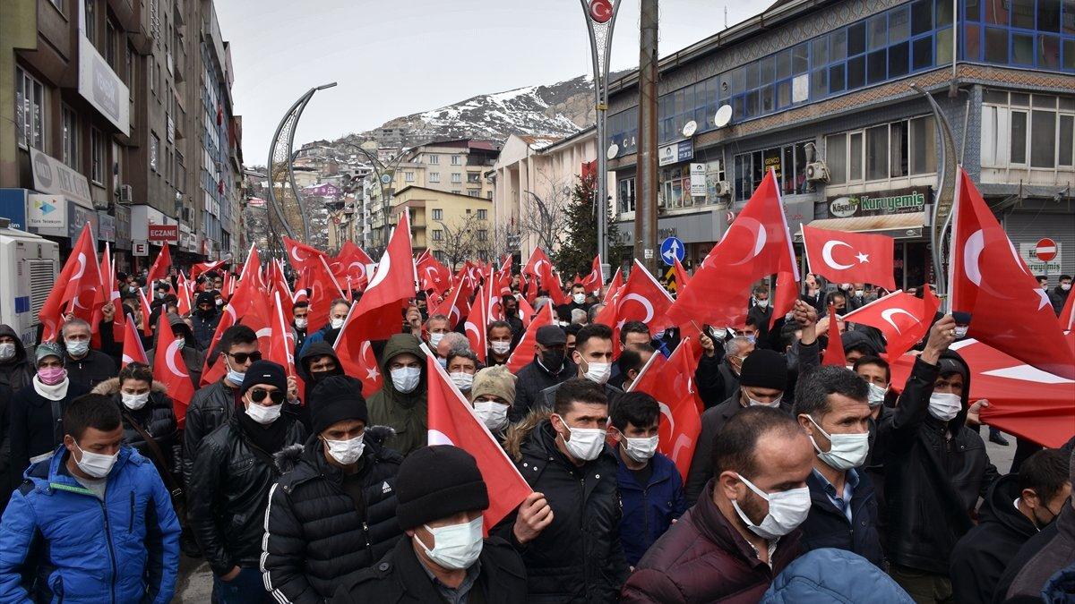 Gara'da 13 Türk vatandaşının şehit edilmesine Hakkari'de tepki gösterildi