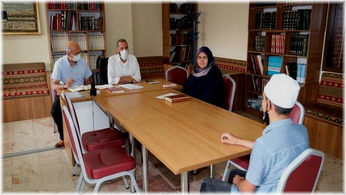 Hafızlık ve Kur'an-ı Kerim'i yüzünden güzel okuma yarışması düzenlendi