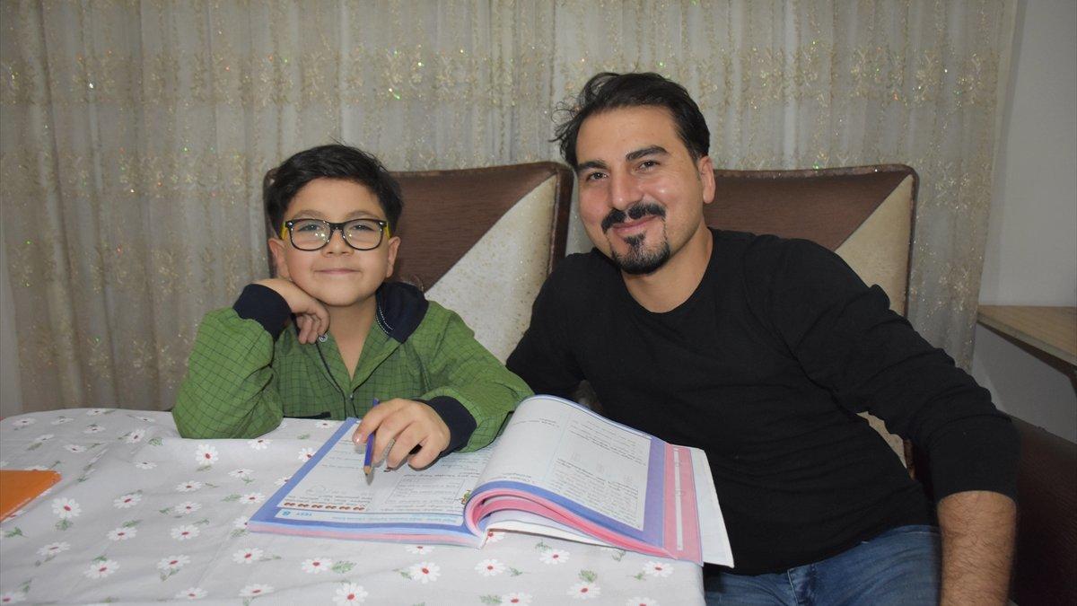 """Hakkari'de öğrenim gören çocuğun """"Uluslararası Caribou Matematik Yarışması"""" başarısı"""