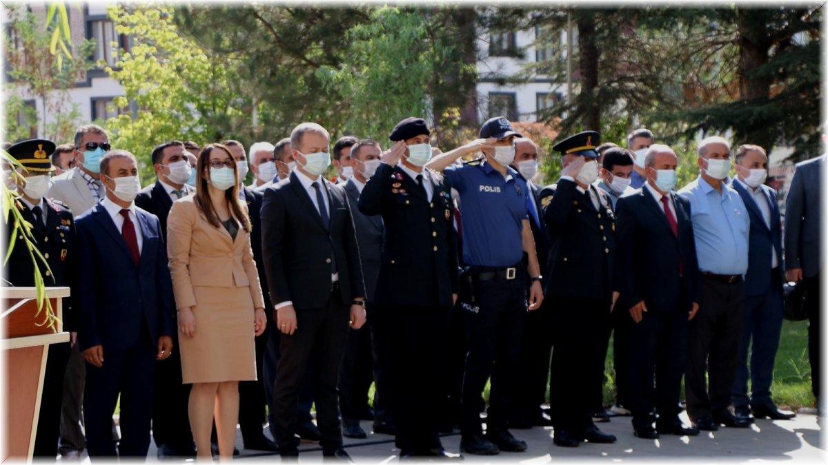 Hizan'da 30 Ağustos Zafer Bayramı düzenlenen törenle kutlandı