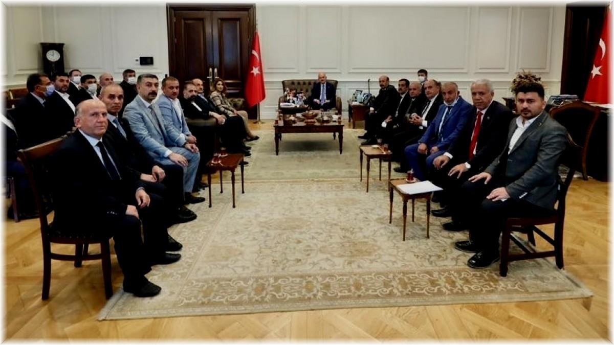 İçişleri Bakanı Soylu, Elazığ muhtarlarıyla bir araya geldi