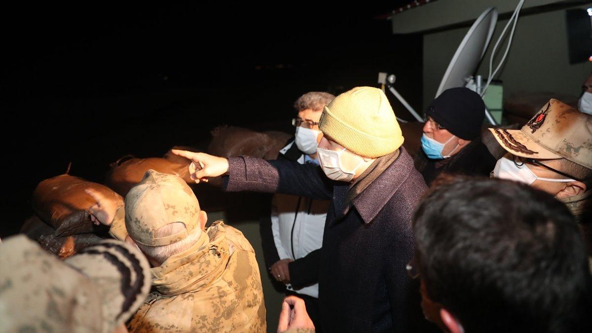 İçişleri Bakanı Soylu, yeni yıla Belbuka kalekol üs bölgesindeki askerlerle girdi