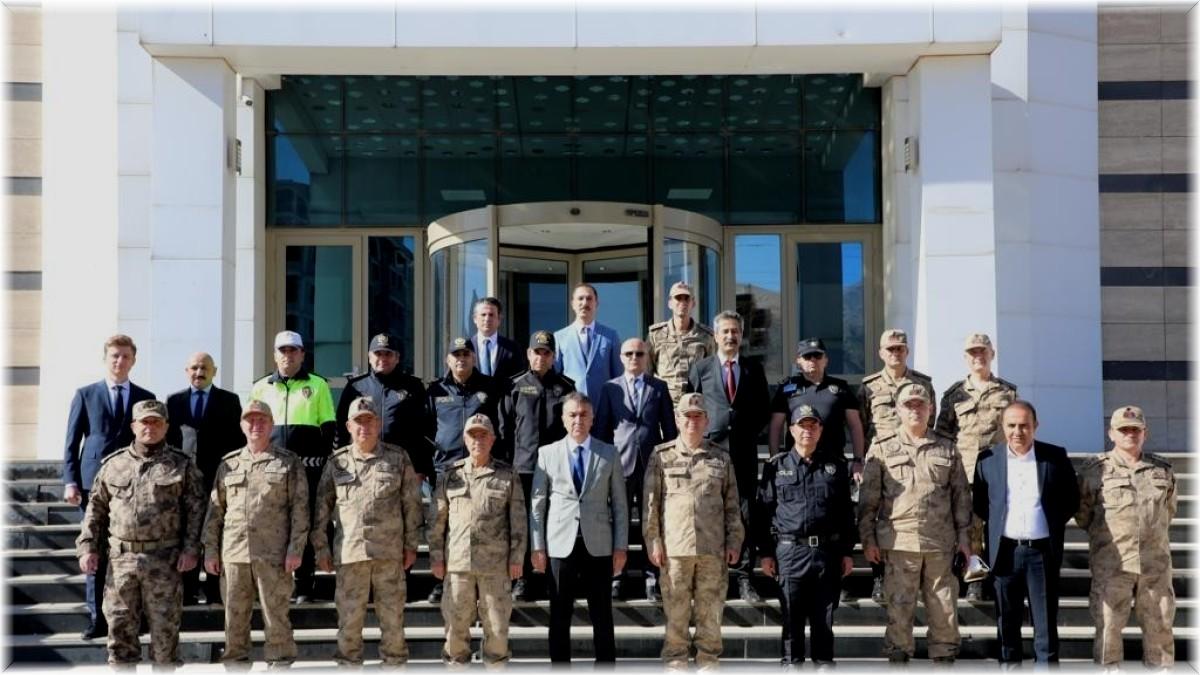 Jandarma Genel Komutanı Çetin'den şehit ailelerine ziyaret