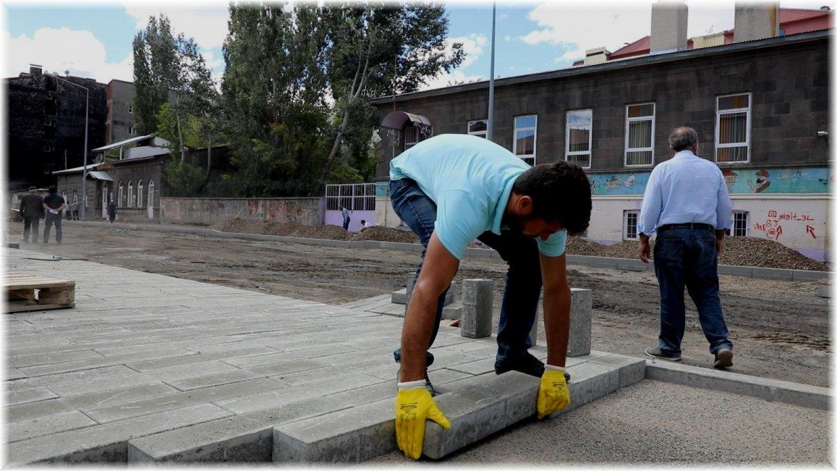 Kars Belediyesi kenti inşaat alanına çevirdi