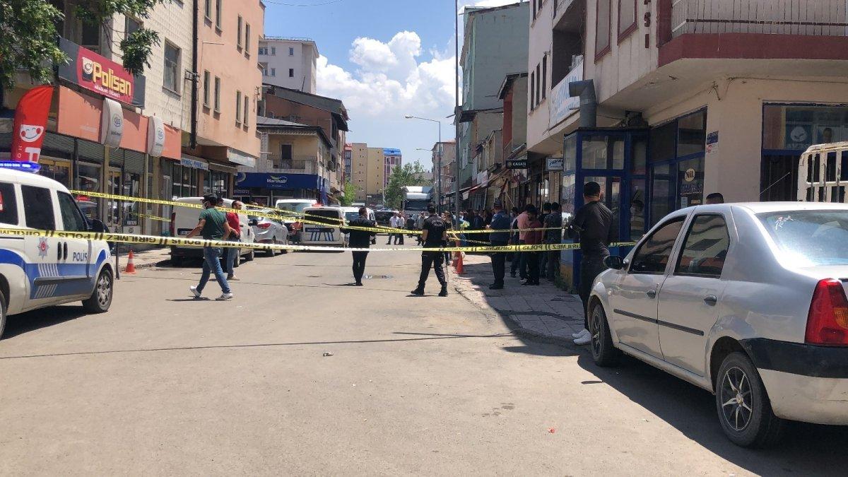 Kars'ta silahlı kavga: 3 yaralı