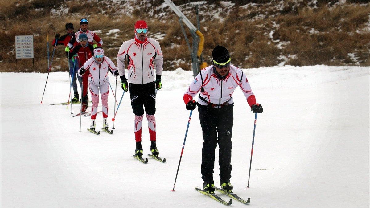 Kayaklı Koşu Olimpik Milli Takımı Erzurum'da güç depoluyor