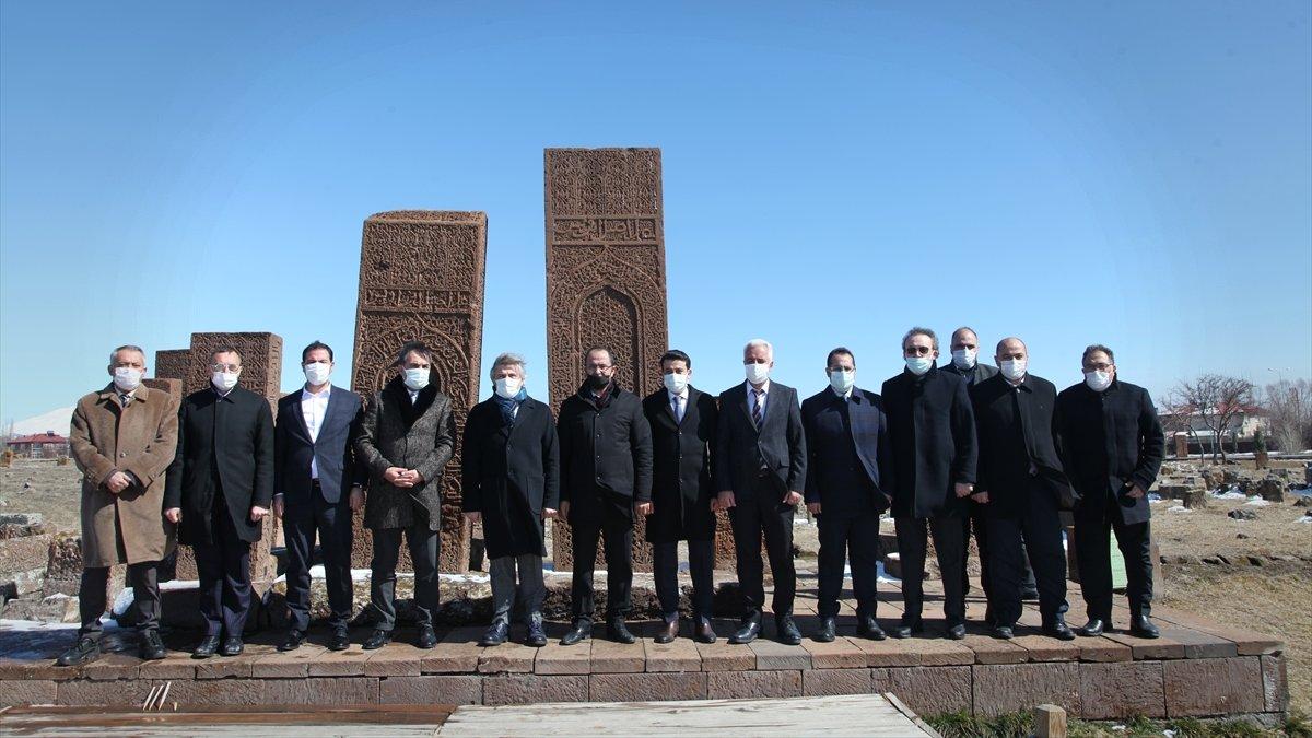 Kültür ve Turizm Bakan Yardımcısı Demircan, Ahlat'ı ziyaret etti