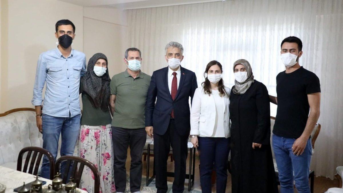 Makas çifti, şehit, vazife malulü ve terör mağduru aileleri ziyaret etti