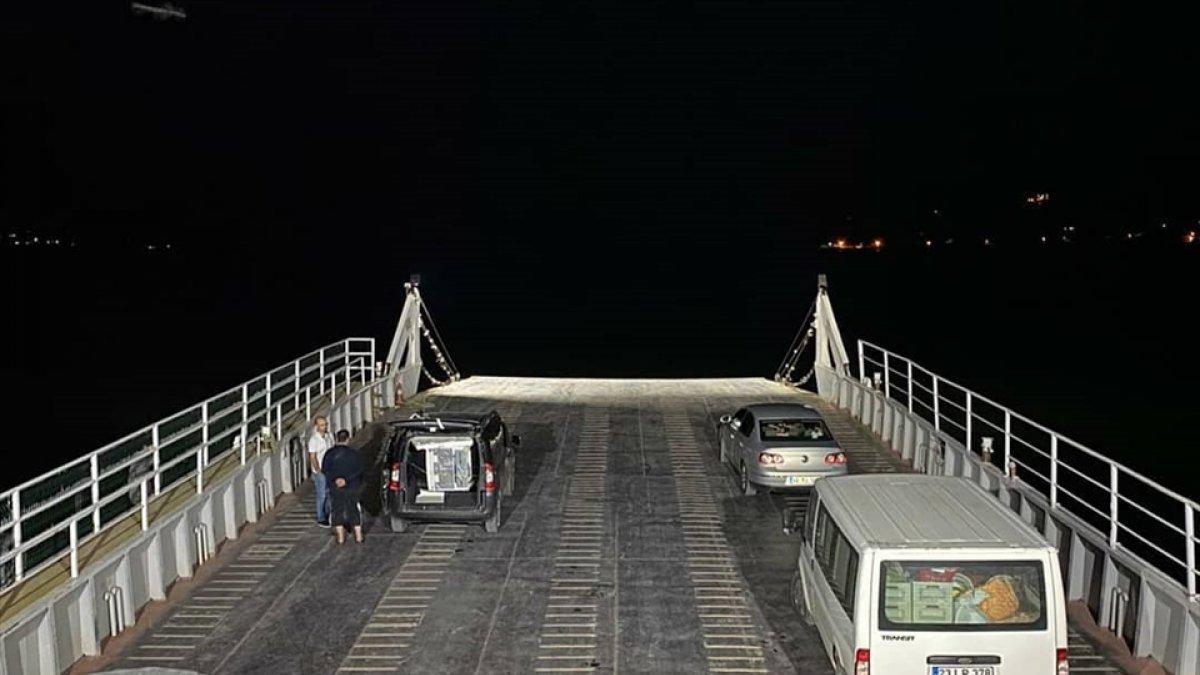 Malatya-Baskil feribotu akşam seferlerine başladı