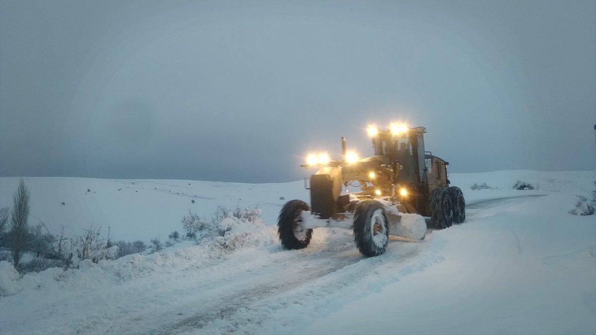 Malatya'da karla mücadele çalışması