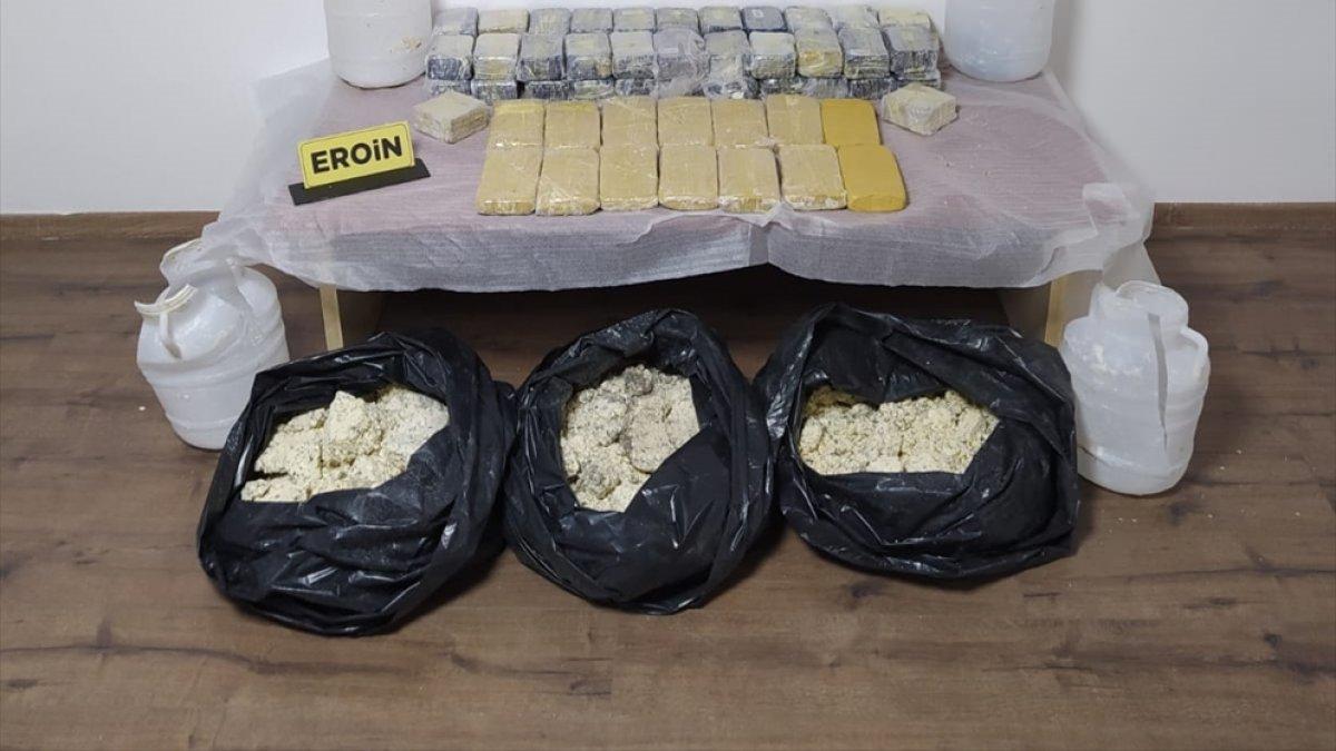 Malatya'da peynir bidonlarına gizlenmiş 31 kilo 268 gram eroin ele geçirildi